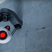Megfigyelés kémkamera használatával