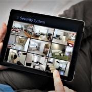 Távoli megfigyelés a biztonsági kameráknál